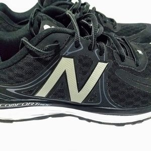 competitive price 50c11 5ec41 New Balance 720 v3 Sneakers